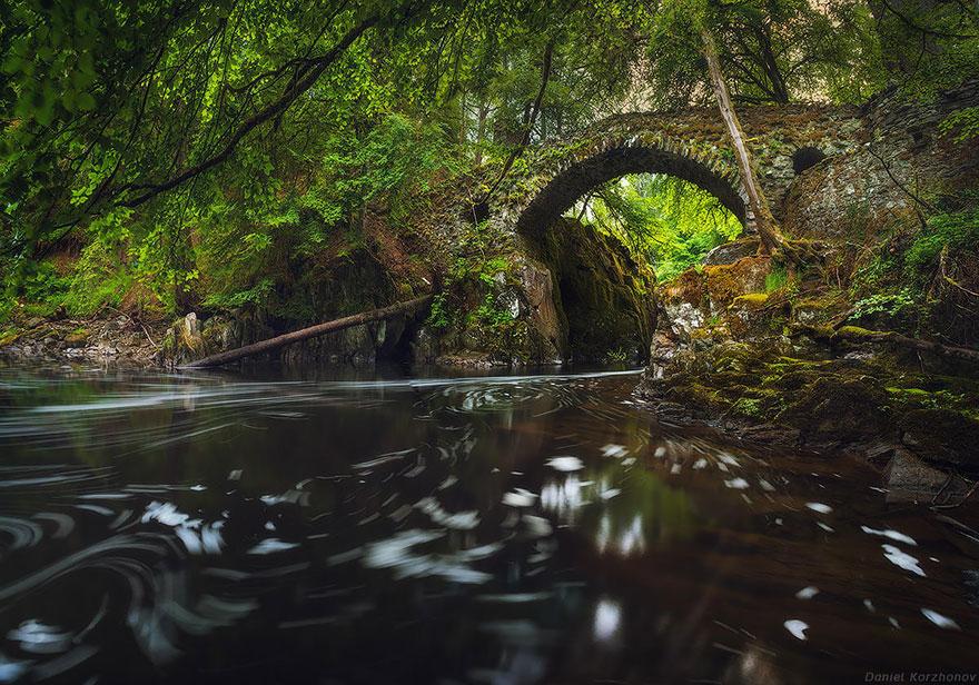 Arhitektura koja spaja ljude - Mostovi - Page 3 Old-Mysterious-Bridges5__880