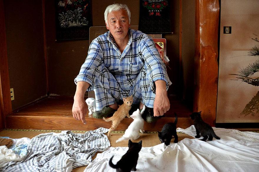 para - Qué hacer ante un caso de maltrato animal Guardian-fukushima-abandoned-animals-naoto-matsumura-4