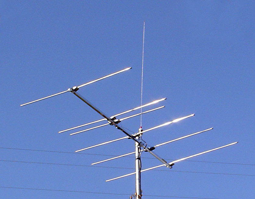 Norway Will Be the First Country to Turn Off FM Radio in 2017 Fm-antenna-stack