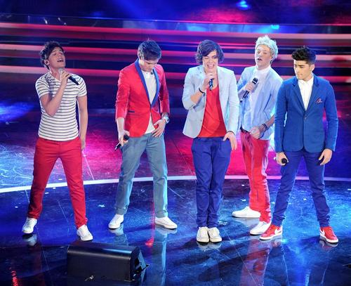 ~News One-Direction-2012-BRIT-Awards-Winners-one-direction-29284094-1222-815