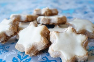 Bûche et biscuits de noel - Page 2 Etoile-cannelle-recette-300x199