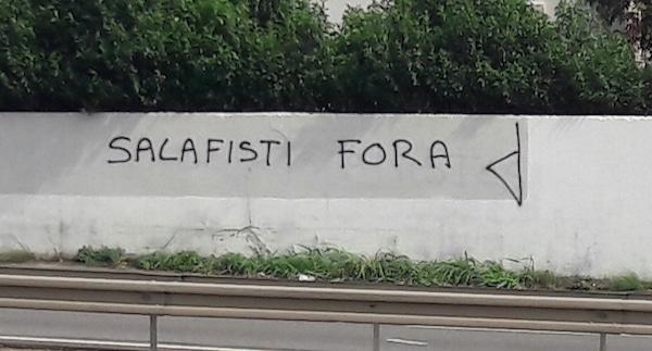 Une version très simpliste qui ne plaît absolument pas aux gens de Sisco et à tous les Corses que nous avons pu rencontrer. Ils étaient près de 800, rassemblés ce jeudi 15 septembre 2016 devant le palais de justice Salafistes