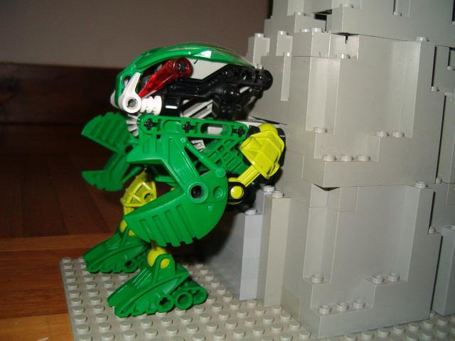 [MOC] Mes Mocs Bionicles Motorbionicle011