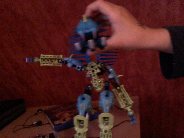[Recherche] Nom d'un bionicle 051610212601