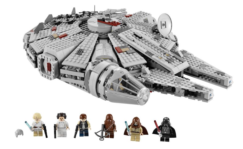 2011 Star Wars Summer Sets 7965_millennium_falcon