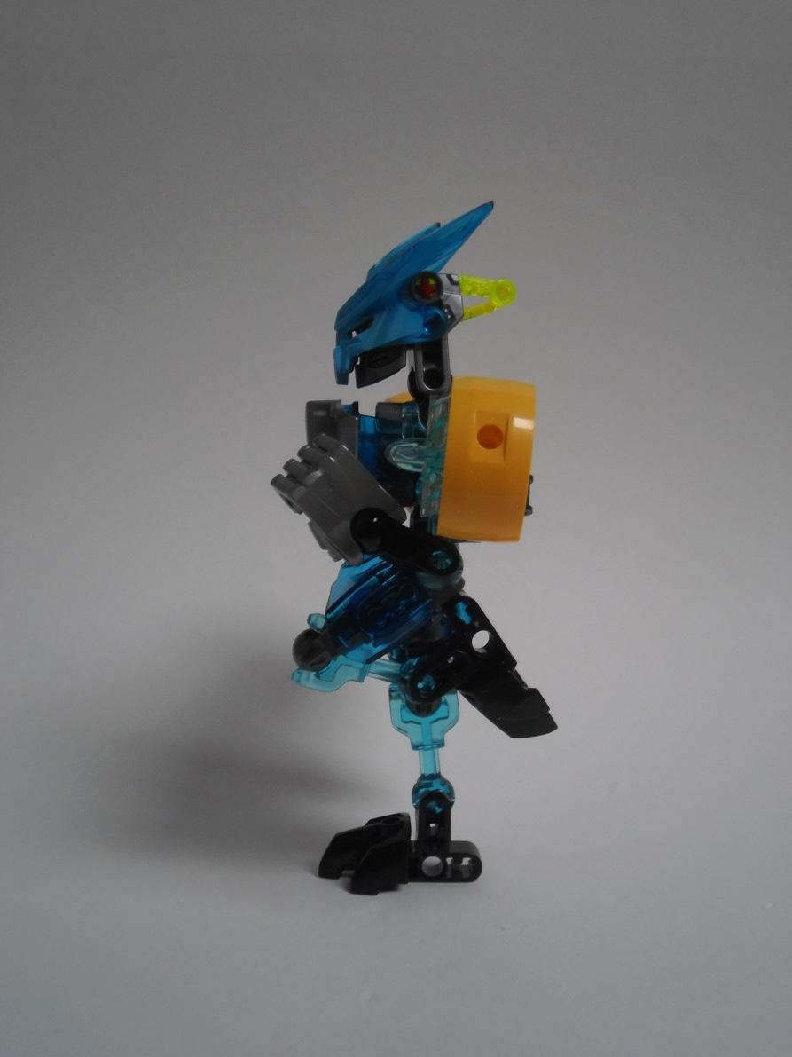 [Revue] LEGO Bionicle 70780 : Protecteur de l'Eau Pb240103