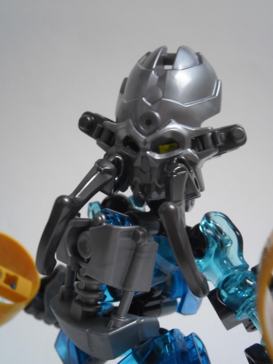 [Revue] LEGO Bionicle 70780 : Protecteur de l'Eau Pb240134