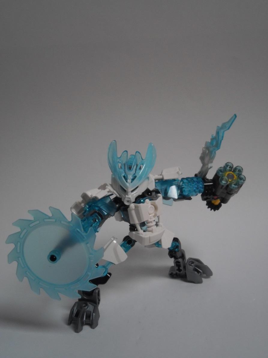 [Revue] LEGO Bionicle 70782 : Protecteur de la Glace Pb260101