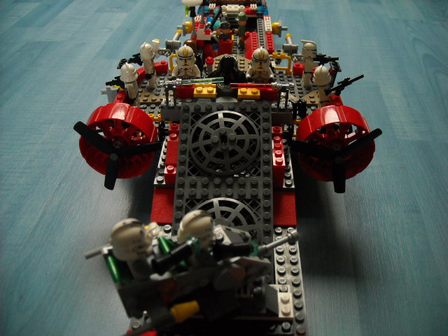 [MOC] Le Terminator 4000 Star-wars_the_clone_wars_creation_021