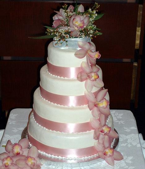மீனு தரும் wedding cakes. - Page 2 Fake-wedding-cake-orchids