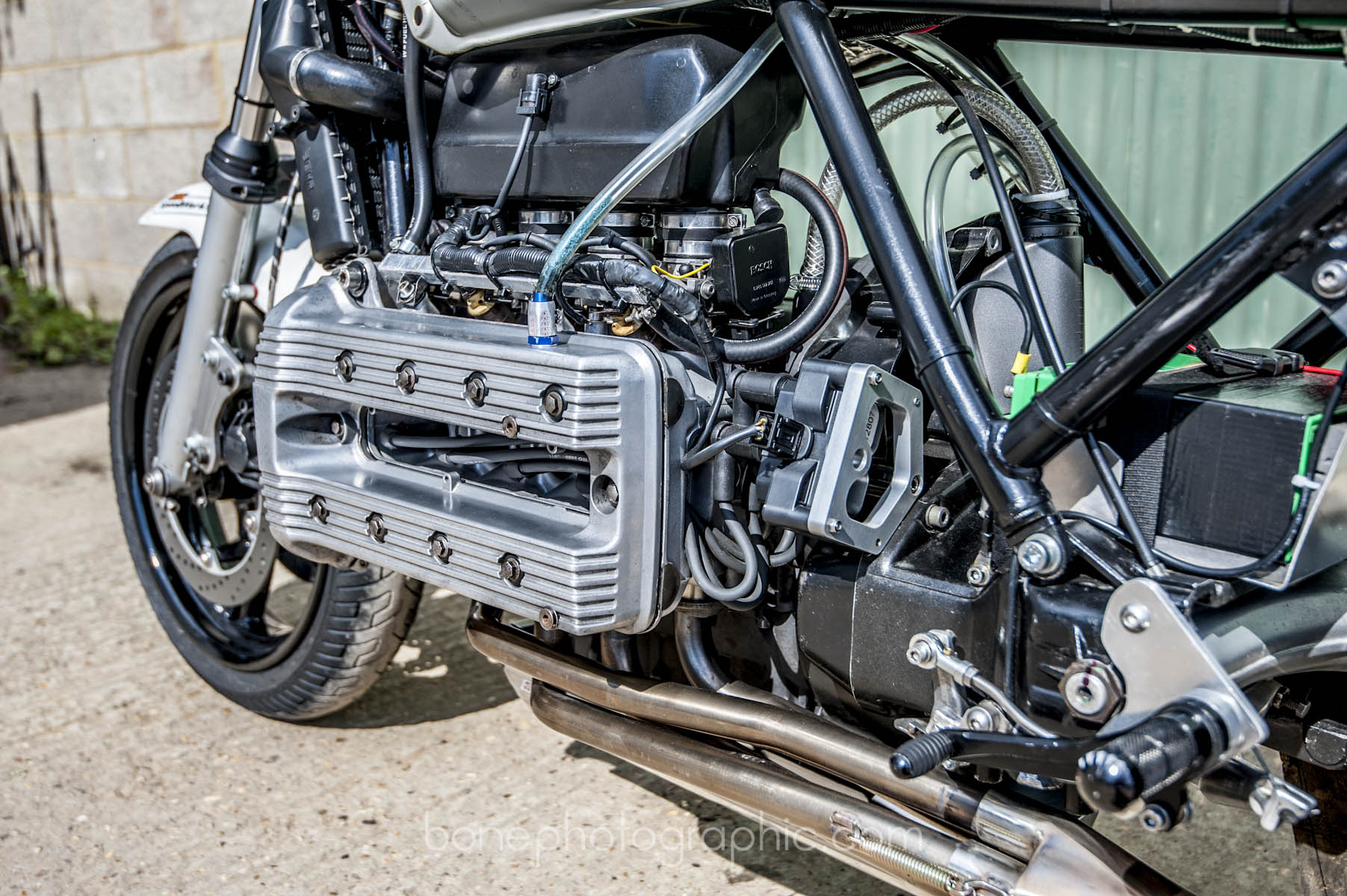 Fuel filter routine replacement - necessary? BSK_Speedworks_k100_racer_90