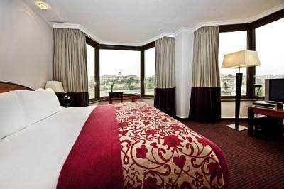 69 szoba.. B-hotel-sofitel-budapest-chain-bridge-room-sofitel-budapest-luxury-hotel-budapest