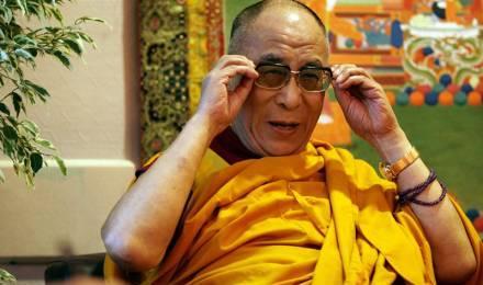 """Le dalaï-lama : """"La vérité religieuse peut être unique, mais jamais exclusive"""" 19062_dalai-lama-3_440x260-160aa"""