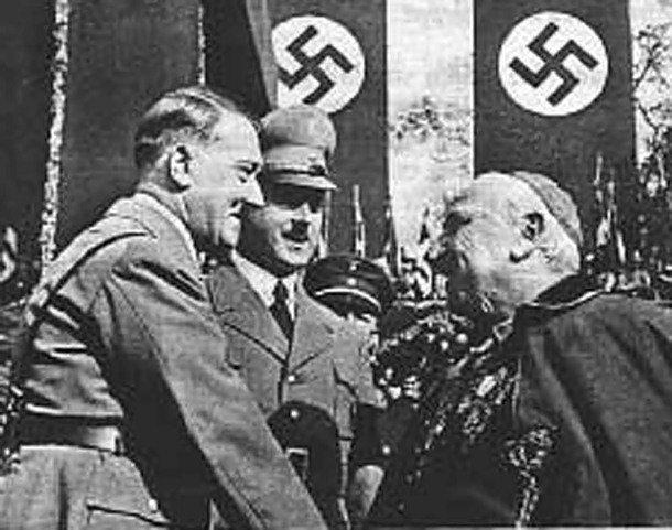 """¿Opináis que España se rige por un fascismo de Estado enmascarado por una """"democracia""""? - Página 7 1423123339_fakty-o-gitlere-2"""