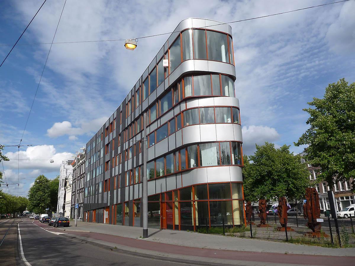 Najpoznatije svetske arhitekte - Page 3 Building-facades-615-1334