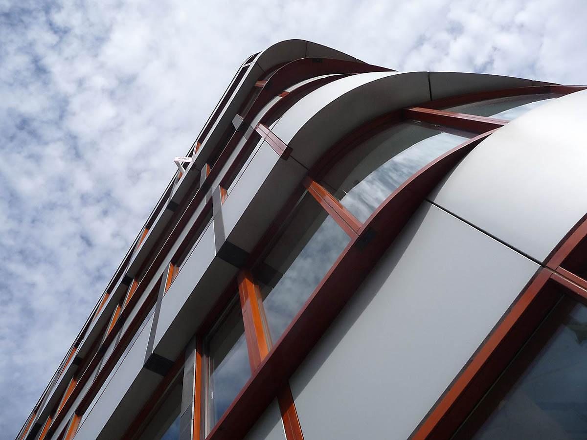 Najpoznatije svetske arhitekte - Page 3 Building-facades-615-1336