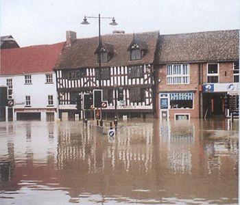 الفيضانات                           Flood
