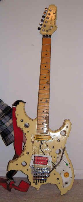 Já viram um Fender Jazz Bass Swiss Cheese model?!! Bfoot-cheese1