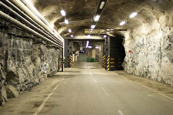 It is Believed that Scores of Aliens are Hidden at this Top Secret US Military Base 5%20-%20Underground%20Military%20Access