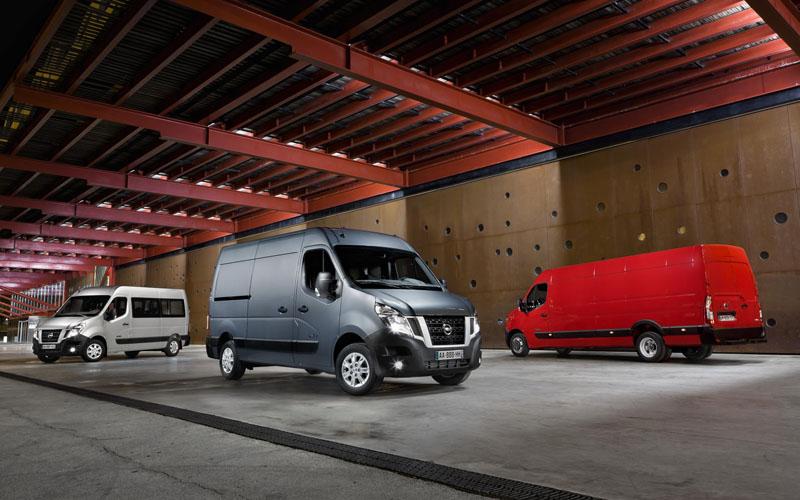 2010 - [Renault] Master - Page 8 Nissan-NV400-vans