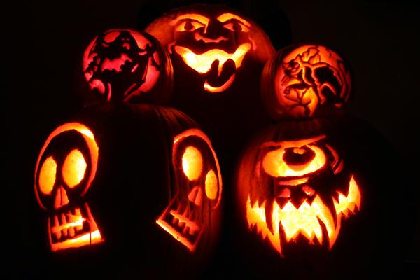 HALLOWEEN ,PORQUE SE CELEBRA ?? Halloween_2Dpumpkins