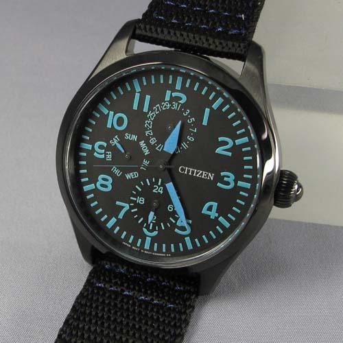 Connaissez-vous des montres dans le genre Bell&Ross ? 68335001