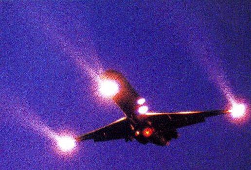 les feux des avions - Feux de positions et phares des avions AI-PL-04