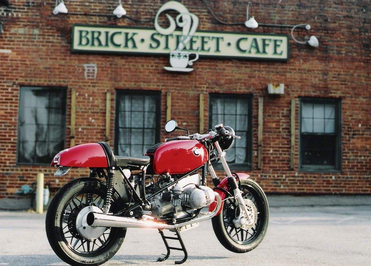 C'est ici qu'on met les bien molles....BMW Café Racer Fredzustred2