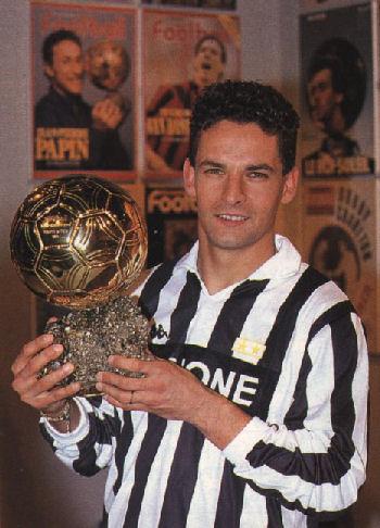 موسوعة مواليد للاعبين كرة القدم Roberto-baggio-pallone-oro-zoom