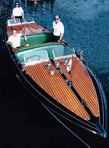 EXCLUSIF : Hamilton s'embarque avec les canots RIVA Missarrow