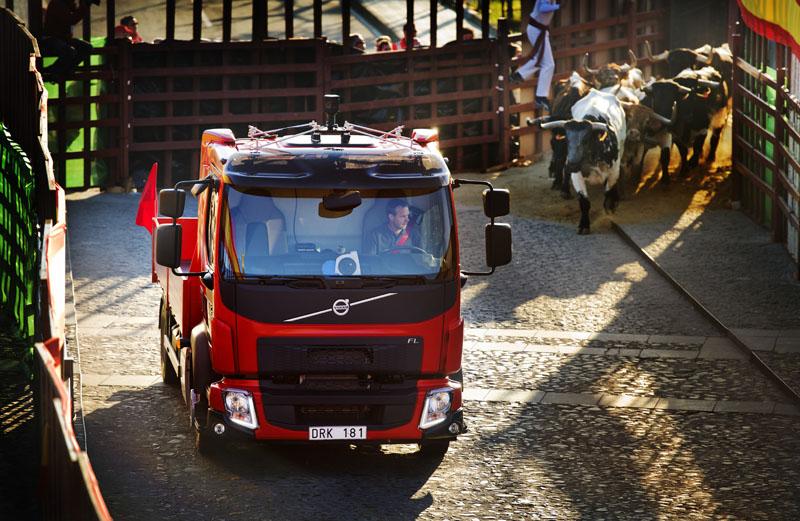 volvo veicoli vintage Volvo-Trucks_The-Chase