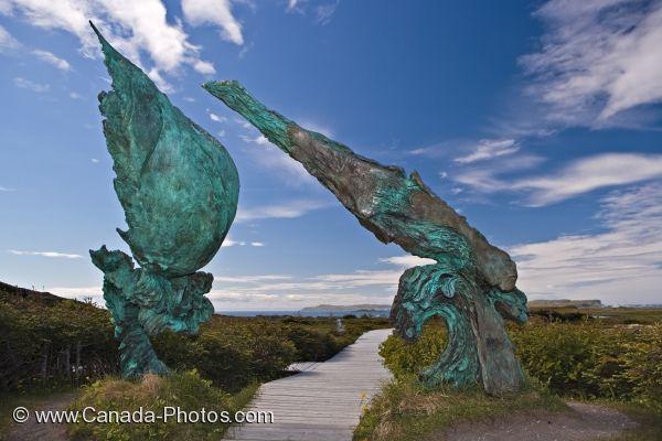 Čudne statue širom sveta - Page 6 Meeting-of-two-worlds-sculpture_2187-7298