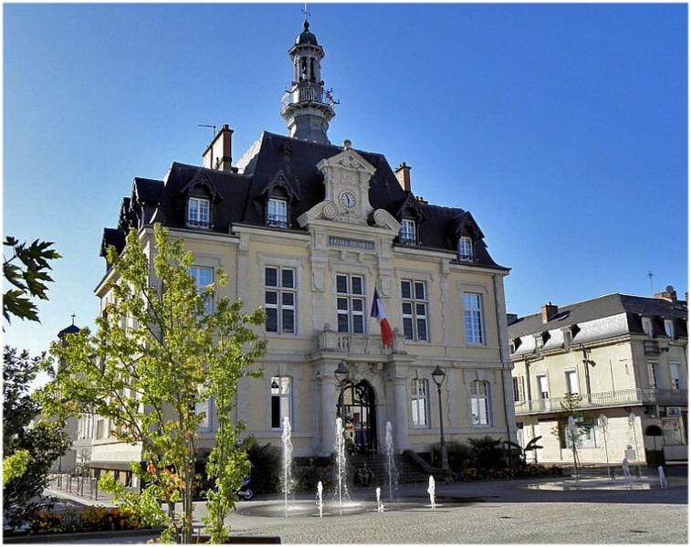 Bâtiment Martine 25/01/2016 trouvé par Snoopie Commentry-Allier-mairie