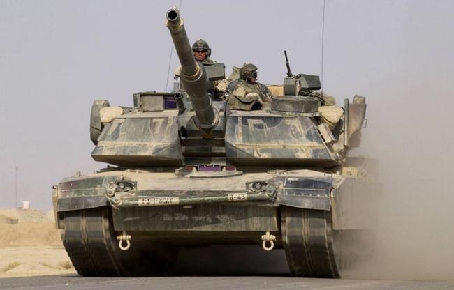 les blindés M1A1_Abrams_main_battle_tank