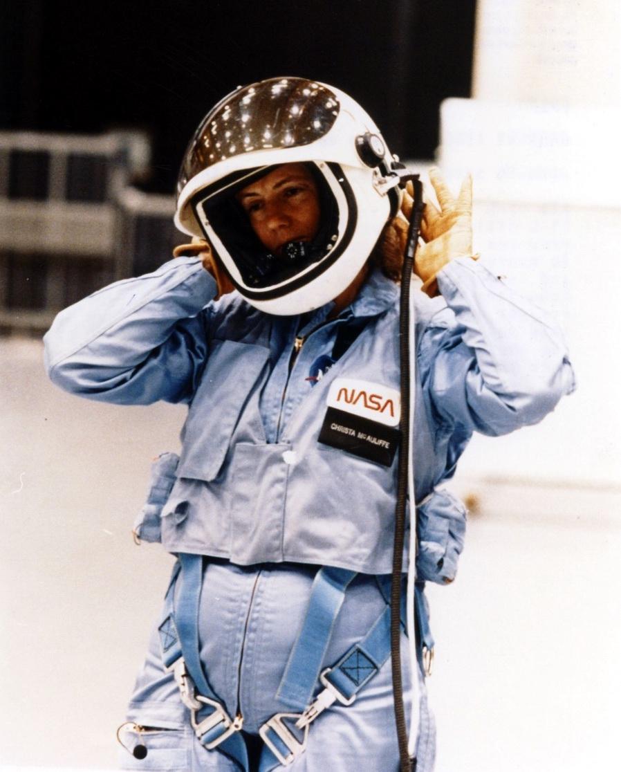 Quelques questions à propos de l'ISS STS-51L_S86-25182