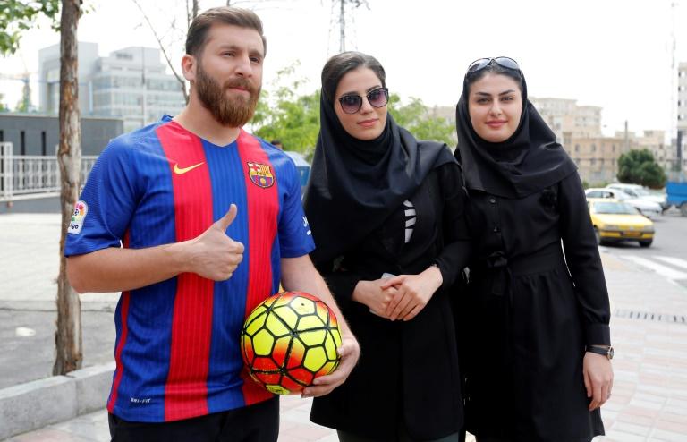 ¿Cuánto mide Reza Parastesh (doble de Messi)? - Real height Ac936ff8706adf9eff12d93b35675ff540aa64b0