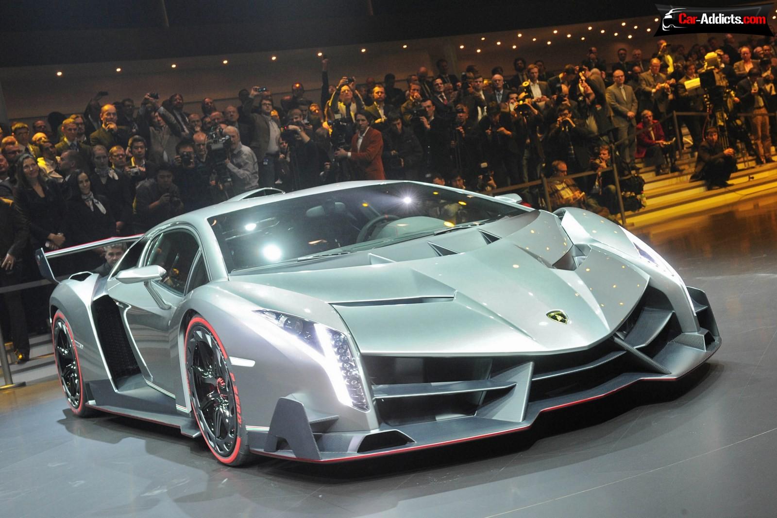 Lamborghini Lamborghini-Veneno-2013GenevaLive-03