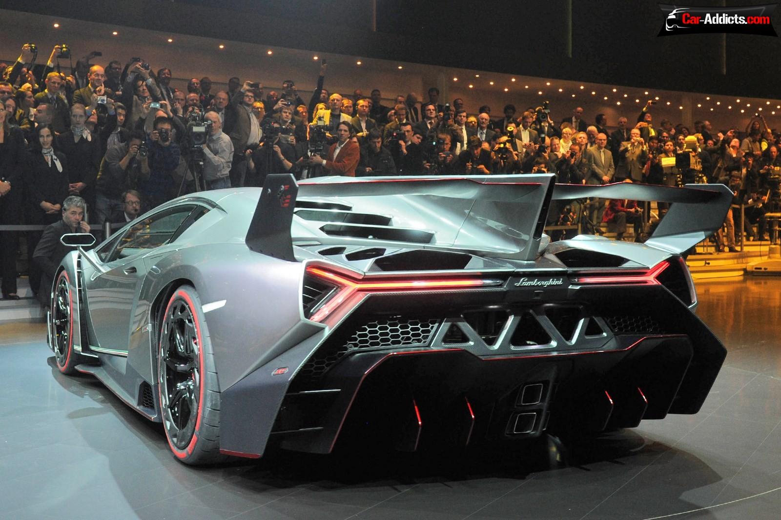 Lamborghini Lamborghini-Veneno-2013GenevaLive-04