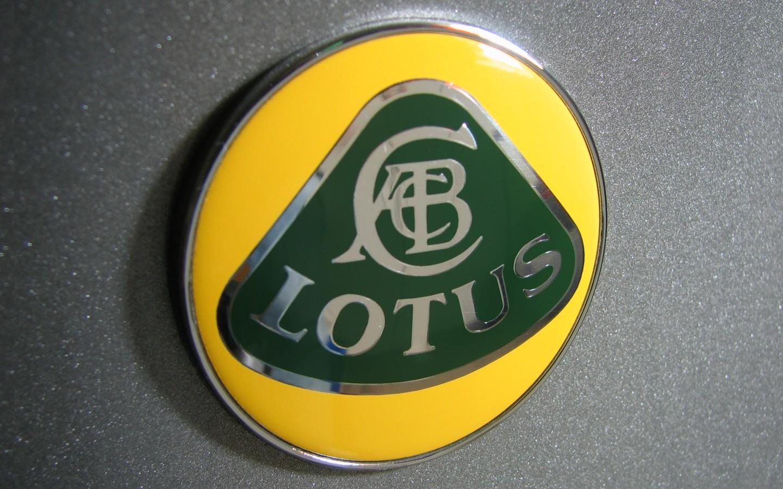logo anteriore Lotus_badge_1440x900