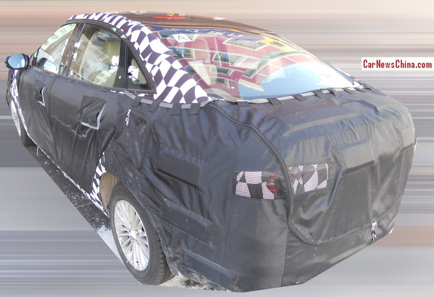 2014 - [Ford] Escort (Chine) Ford-escort-china-test-3