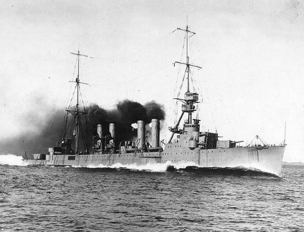 La bataille navale des îles Komandorski Ch_6_cruiser_Richmond-600x458