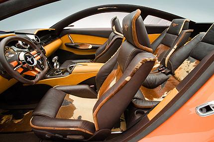 Le Akenaton di TulipanoRosso350cv Concept_Ford_Mustang_Giugiaro_int_mfr_430