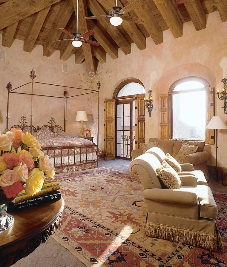 Комната Monique de Godard Master-bedroom-b