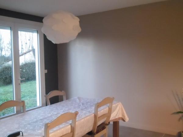 finir ma cuisine ouverte sur le salon Cuisine-Brun-Moderne-201512211507078m