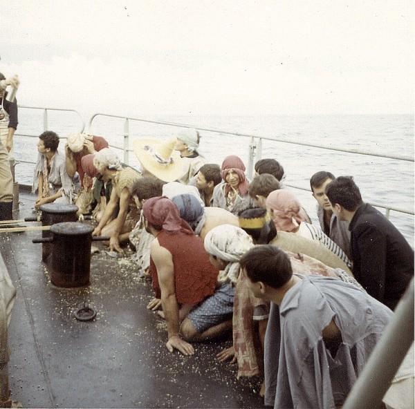 [ Les traditions dans la Marine ] LE PASSAGE DE LA LIGNE - ÉQUATEUR (Sujet unique) 061115023901212237