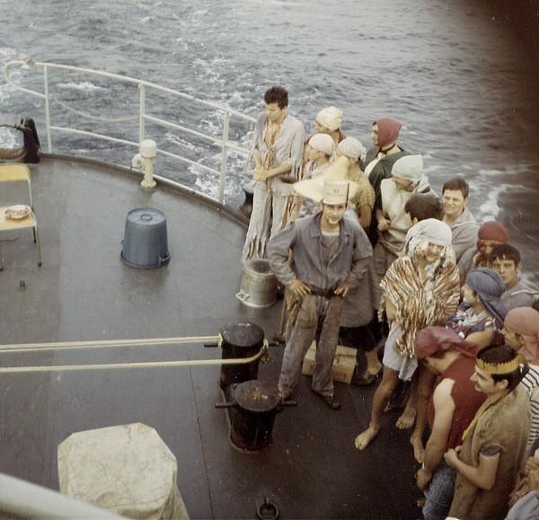 [ Les traditions dans la Marine ] LE PASSAGE DE LA LIGNE - ÉQUATEUR (Sujet unique) 061115024040212244