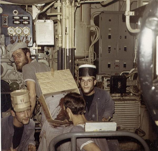 [ Les traditions dans la Marine ] LE PASSAGE DE LA LIGNE - ÉQUATEUR (Sujet unique) 061115024152212248