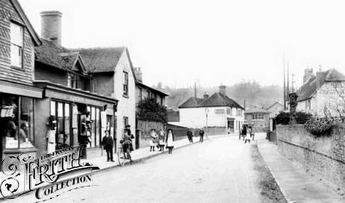 Photos de Godalming et Farncombe datant de 1895 et + 070818111100123291032674