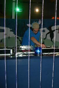 ptites démo techno et drum'n bass a bon écouteur...... Mini_0703200434534068404632