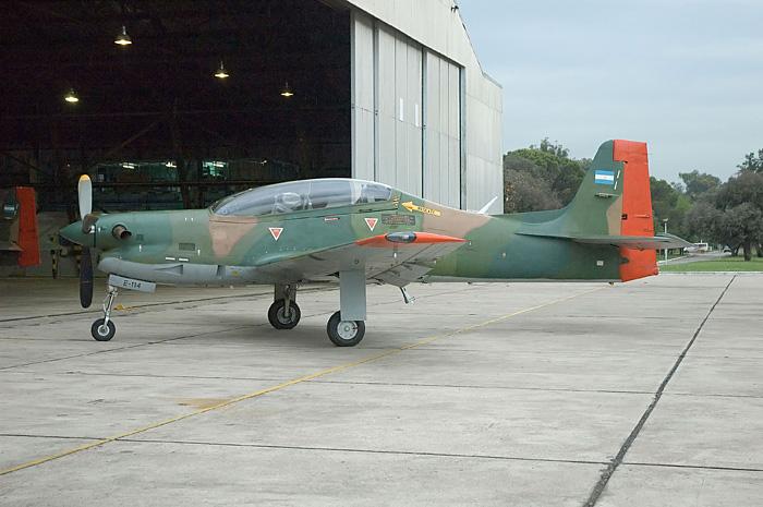 Embraer EMB 314 Super Tucano(  avión turbohélice diseñado para el ataque ligero, contrainsurgencia y entrenamiento avanzado de pilotosBrasil, ) EMB312_E114
